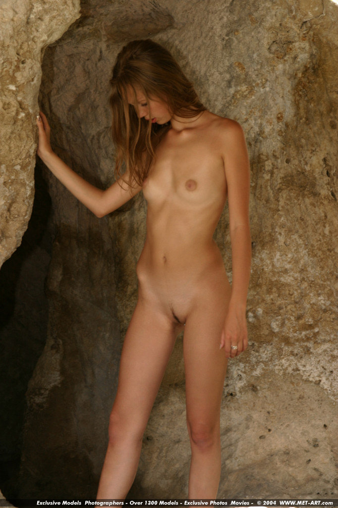 Adolecent art nude girls accept